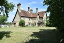 Main Photo of a 6 bedroom  Farm House for sale