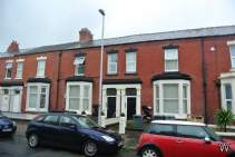 Main Photo of a 2 bedroom Flat to rent