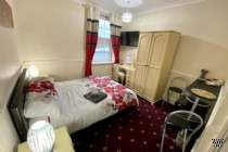 Main Photo of a 2 bedroom Studio to rent