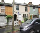 Main Photo of a 2 bedroom Maisonette to rent
