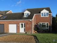 Main Photo of a 4 bedroom  Link Detached House for sale