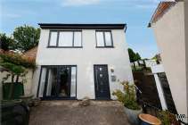 Main Photo of a 2 bedroom  Detached House for sale