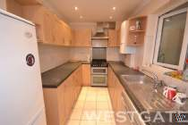 Main Photo of a 5 bedroom Terraced House to rent