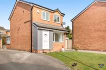 Main Photo of a 3 bedroom  Detached House to rent