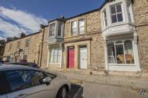 Main Photo of a Terraced House to rent
